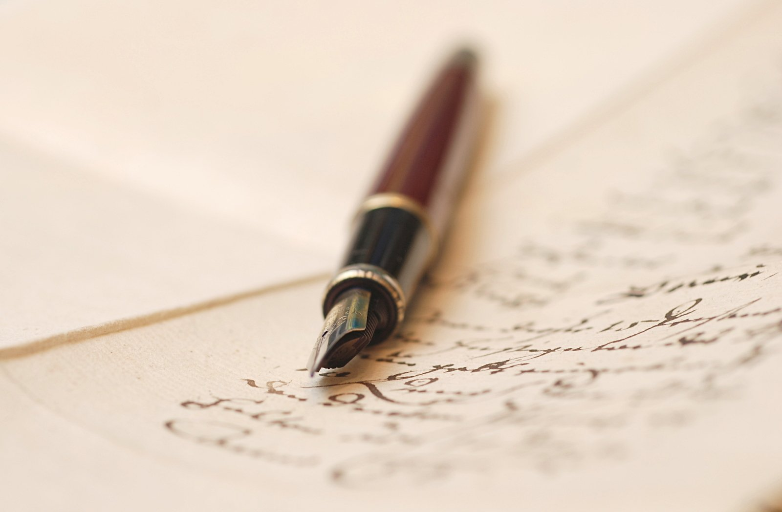 4 Benefits of Gifting Fountain Pens to Your Corporate Partners